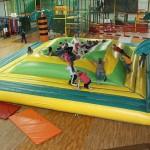 Geburtstag feiern auf dem Indoorspielplatz: Tipps für eine gelungene Party